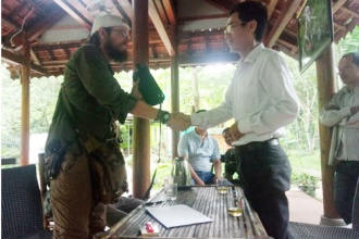 Nhân viên điểm du lịch Vườn thực vật trả lại tài sản cho du khách